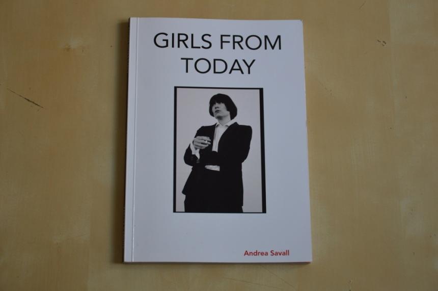 Imagen de la portada del fanzine Girls from Today, por la fotógrafa Andrea Savall